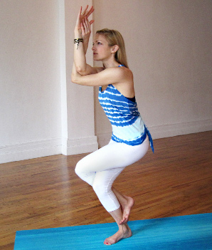 9 yoga poses to open your shoulders  heidi kristoffer