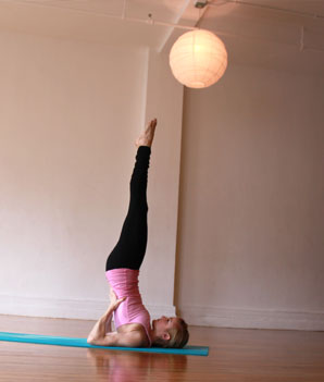 10 yoga poses to beat the blues  heidi kristoffer