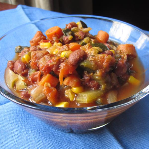 Slow-Cooker Hearty Vegetable Chili